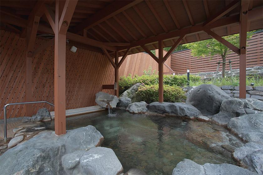 出石天然温泉「乙女の湯」露天風呂で癒しの時間