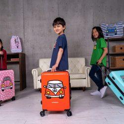 スペイン・サンセバスティアン生まれ グラフィカルな注目ブランド『Calla te la Boca』 カラフル&ポップなスーツケース日本初上陸