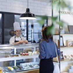 """""""チョコレート&カフェ""""と""""木製雑貨ショップ""""が融合! 東京中目黒に「KNOCKING ON WOOD」グランドオープン!"""