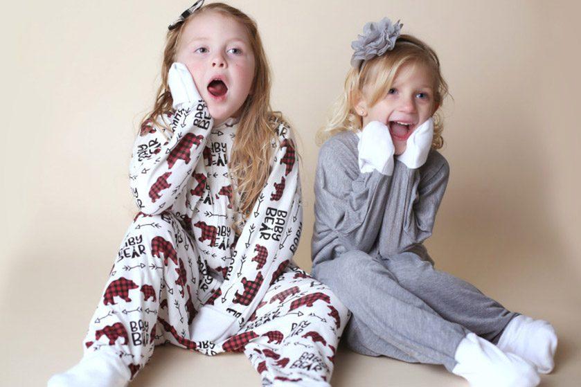ひとり歩きへ移行する子どもの成長期をサポート! 3つの嬉しい機能が備わった万能パジャマ「むささび」が楽天ストアで先行販売スタート