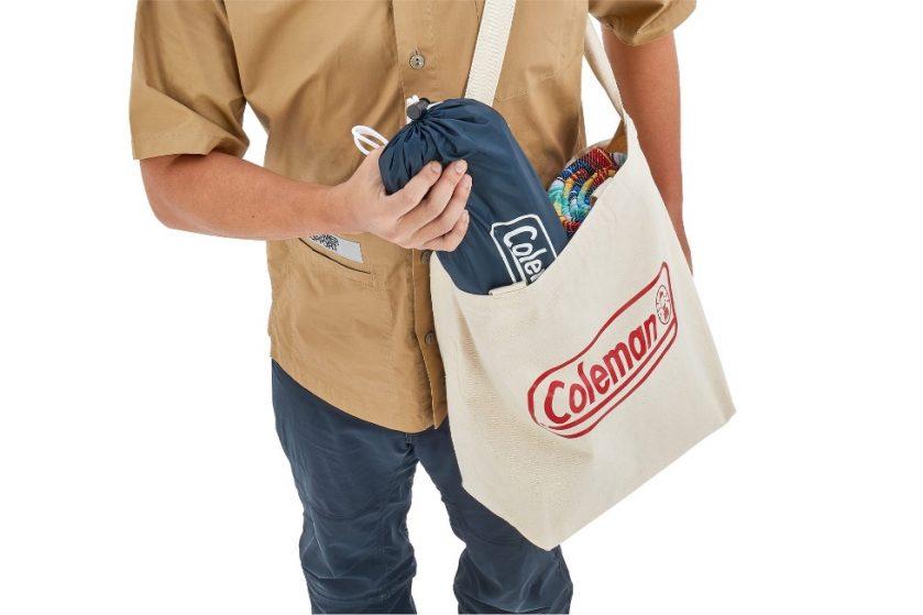 いつでもどこでも快適なアウトドアライフを実現! 『コールマン』手軽に持ち運べるコンパクトシェードとワゴン